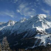 Sortie raquettes face au Mont-Blanc