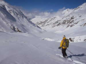 refuge en hiver accessible uniquement en ski