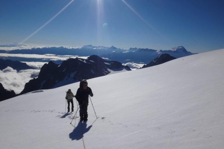 au fond le grand Combin depuis le glacier de Trient