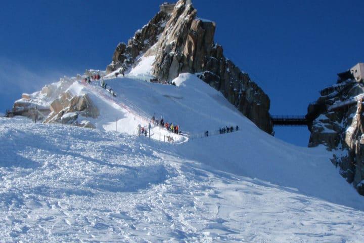 arête de l'aiguille du Midi en hiver