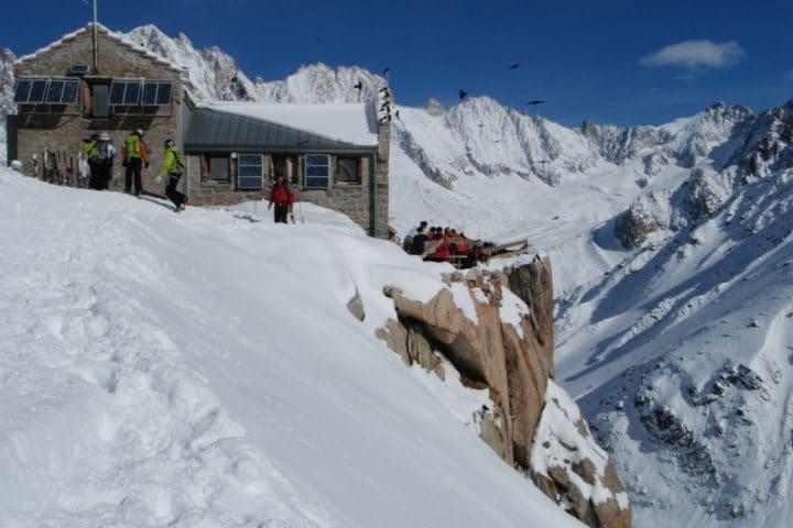 le refuge du Requin au coeur du massif du Mont-Blanc