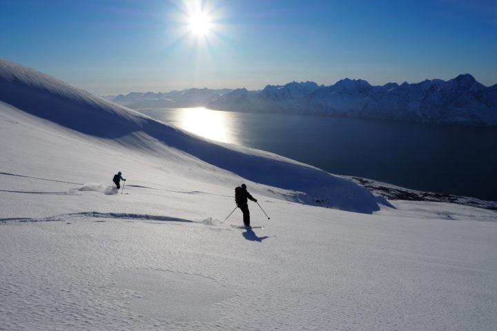 face au fjord de Lyngen