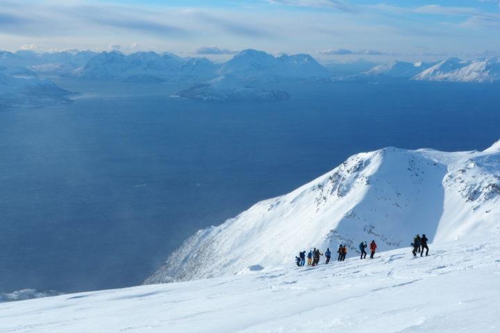départ du sommet vue sur l'île de Kagen au loin