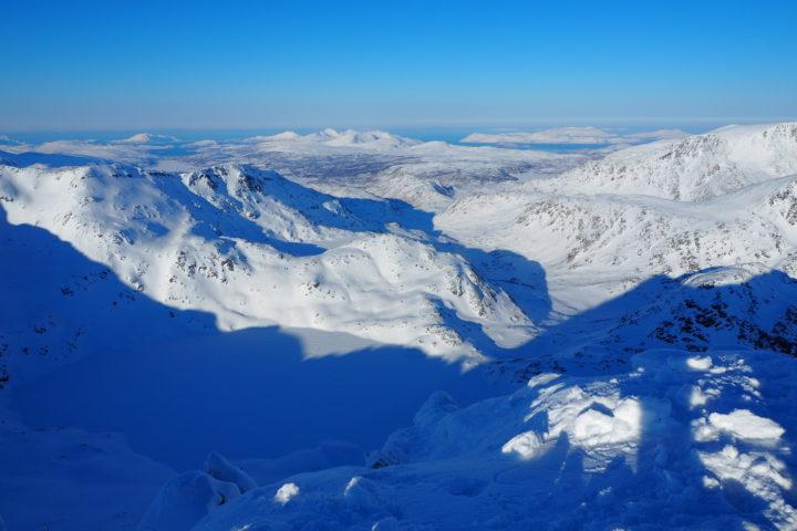 vue sur l'océan depuis le Nordfjellet