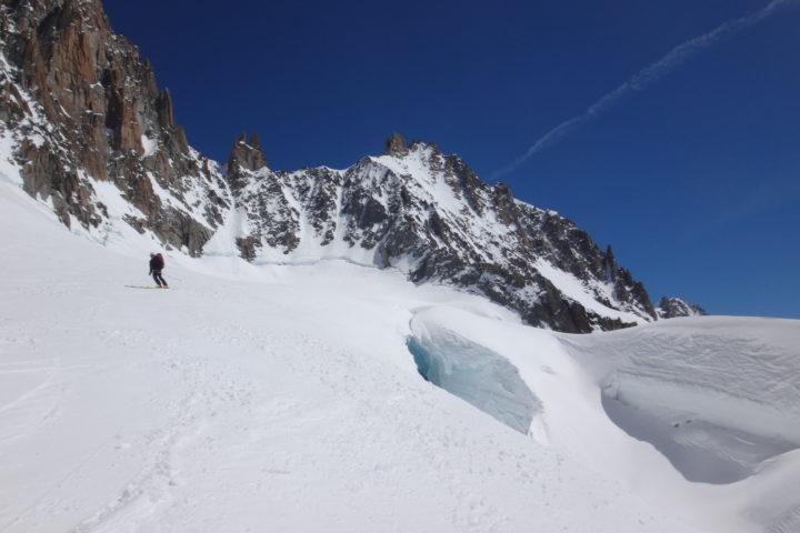 Descente à ski sur le glacier de Talèfre