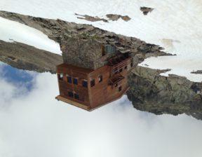 Le refuge Robert Blanc est à 2752 mètres