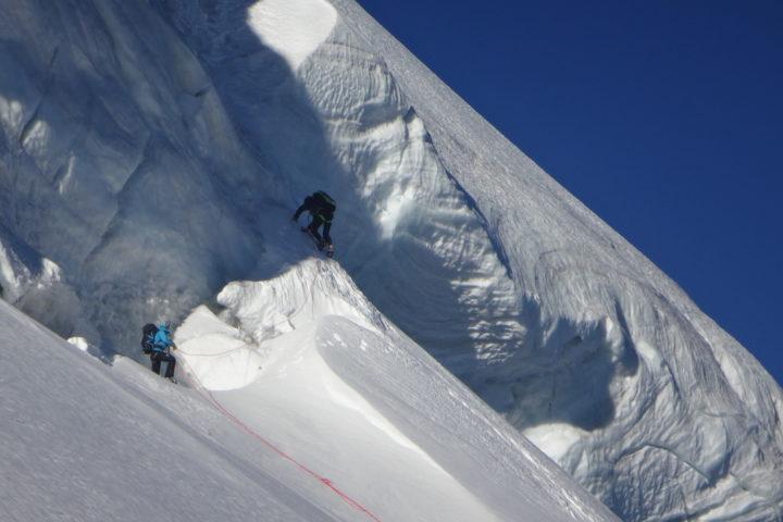 rimaye de la calotte de l'aiguille Verte au-dessus du versant Nant-Blanc