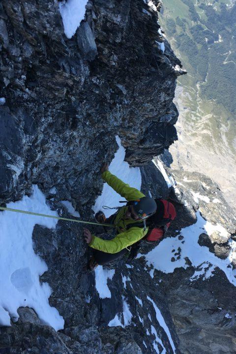 Sortie des cordes fixes, nous nous remettons à grimper!