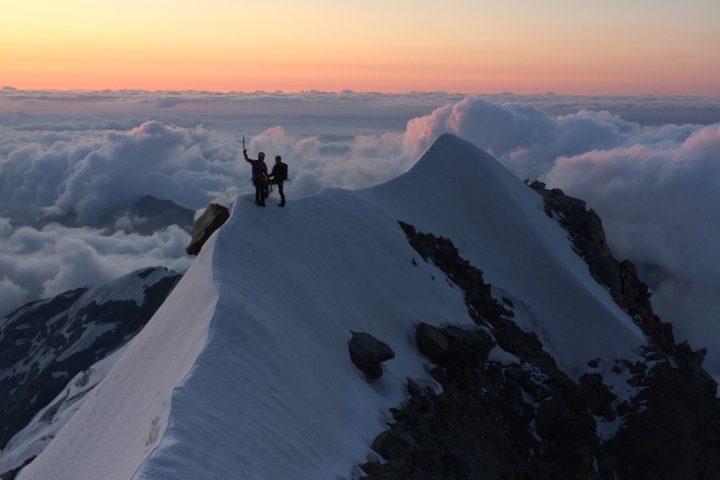 Arête en neige avant les difficultés Risotto à Alagna Cresta Signal Mont-Rose