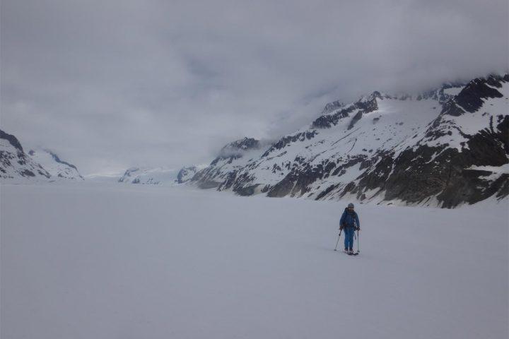 à ski sur le glacier d'Aletsch