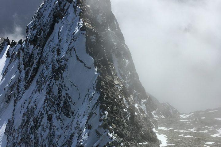ambiance aérienne sur la deuxième partie du Lenzspitze