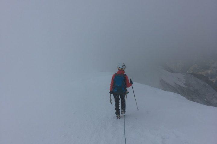 descente du Nadelhorn dans le brouillard