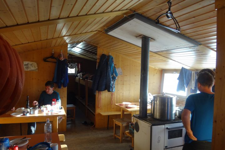 Mischabel biwak, le confort Suisse
