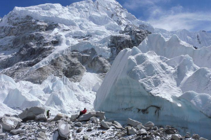 séracs du Khumbu au pied du Nuptse (7861m)