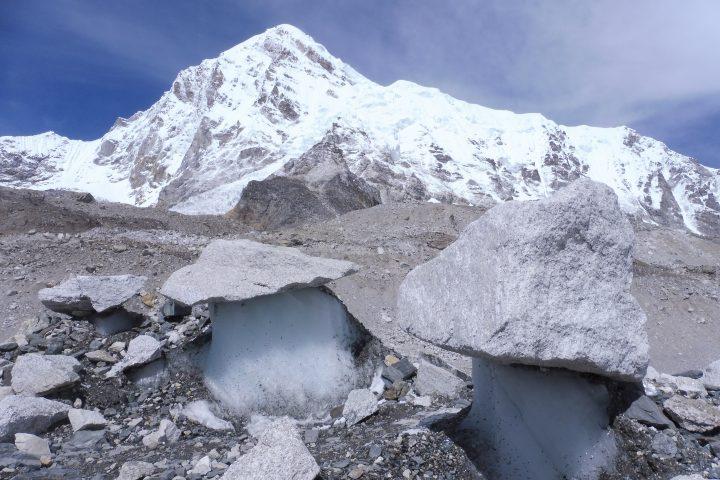 Pumori (7161m), depuis le camp de base de l'Everest
