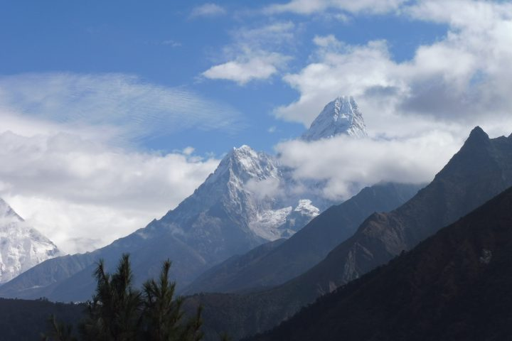 """Ama Dablam, 6856m, """"mother's necklace"""", le Cervin Himalayen"""
