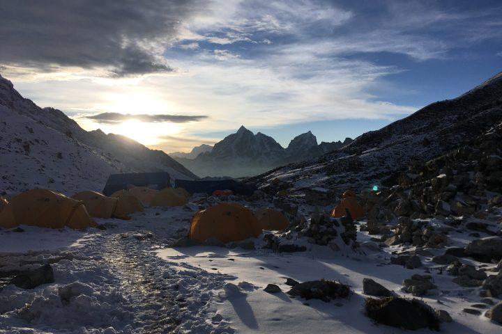 camp de base de l'Imja Tsé / Island Peak (5150m)