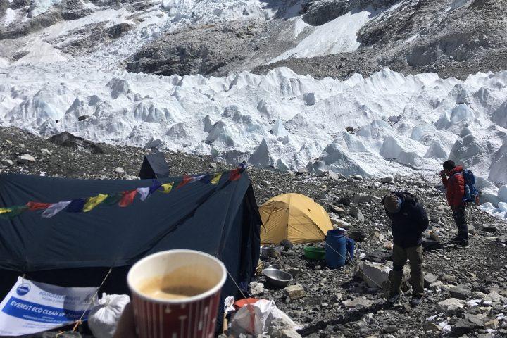cappuccino au camp de base de l'Everest, 5300m