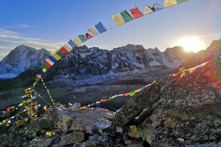 couché de soleil sur la chaine du Lobuche Peak