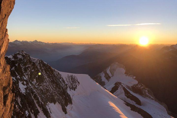 Lever du jour sur fond d'Oberland