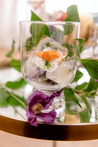 Décoration glaçons et fleurs