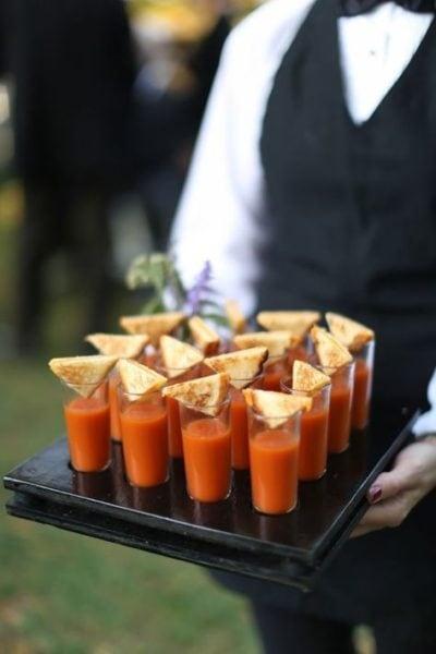 Repas de mariage, cocktail dinatoire , buffet ou dîner à la place ?