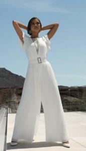 Tenue de mariage différente de la robe de mariée