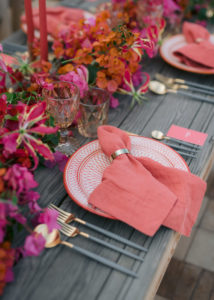 Decoration Table Wood & Linen